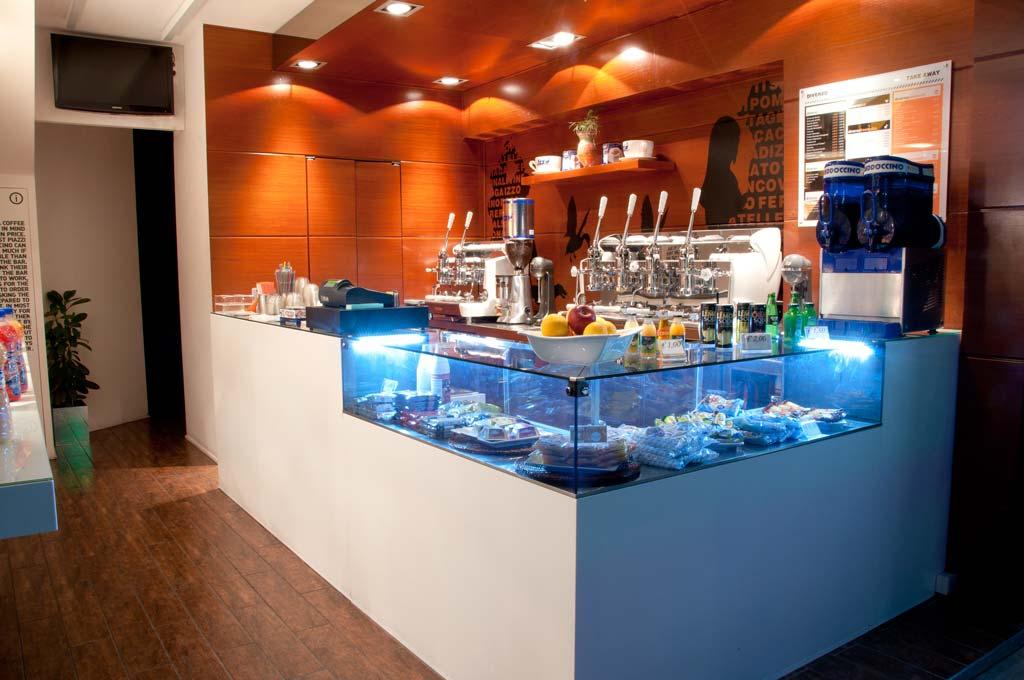 front_bar_view_diverso_coffee_and_shop_kyriakos_trikaliotis_design
